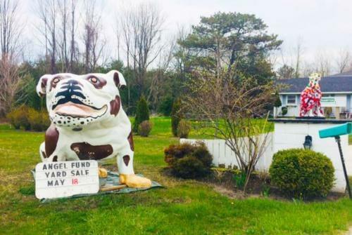 Southampton - Exterior Dog Statue